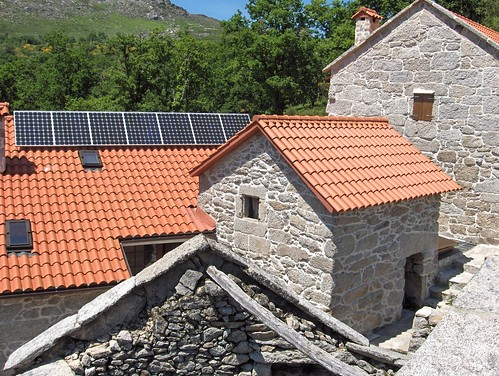 Enerxía solar fotovoltaica aillada de rede