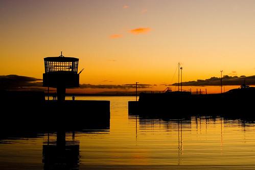 uk ireland sunset sea sky reflection silhouette canon eos europe harbour northernireland carrickfergus coantrim belfastlough simoncrubellier