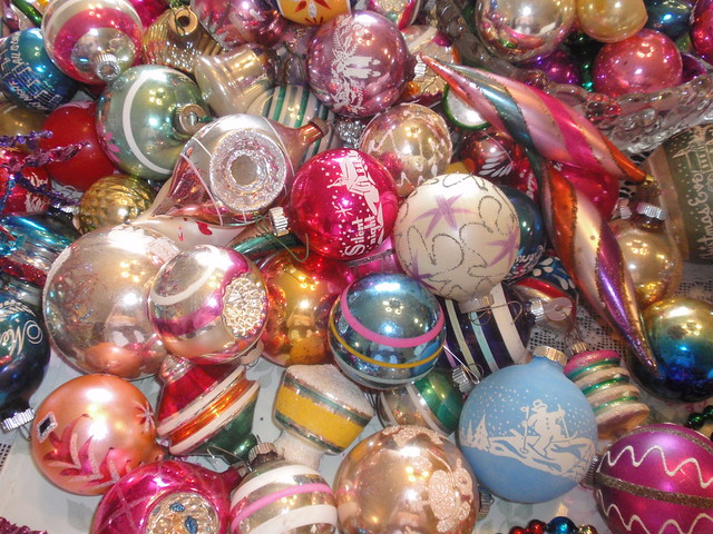 Vintage Shiny Brite ornaments 1
