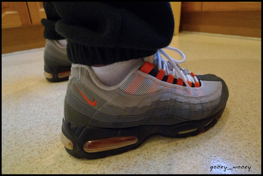 f170738e14d0 ... Nike Air Max 95 SC Black   Safety Orange - White (604069 081) (