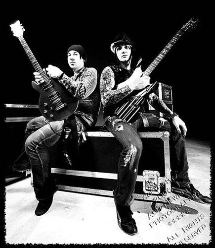 4405339935 aa2db...M Shadows And Synyster Gates