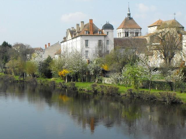 A Ebreuil, dans l'Allier...