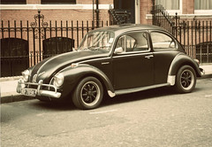 automobile, volkswagen beetle, automotive exterior, wheel, vehicle, automotive design, city car, compact car, volkswagen type 14a, antique car, vintage car, land vehicle,