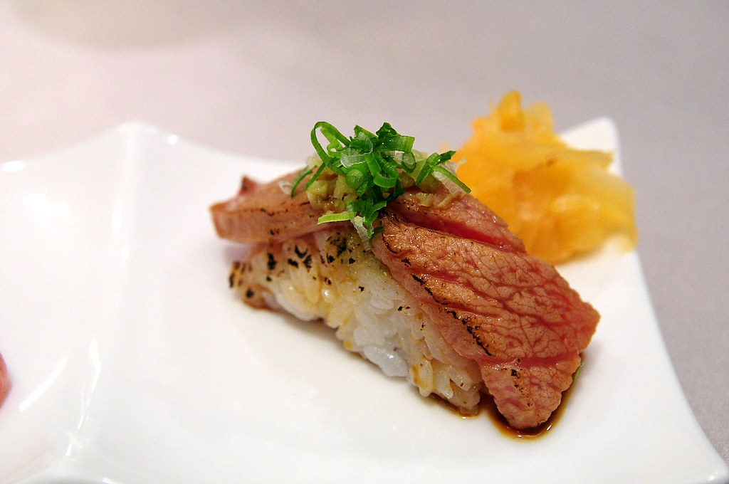 大鵬灣食堂-微炙中腹握壽司
