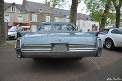 1964 CADILLAC DeVille convertible coupe - Photo of Thenay