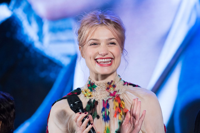 Photo:Fantastic Beasts and Where to Find Them Japan Premiere Red Carpet: Alison Sudol By Dick Thomas Johnson