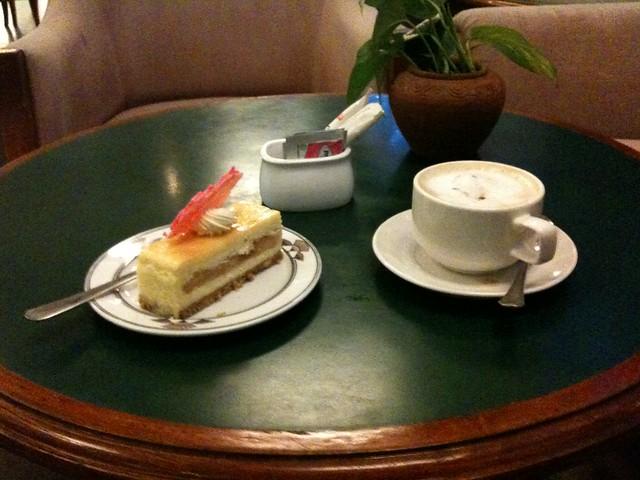 Coffeebreak at Sabah Hotel, Sandakan (Malaysia)