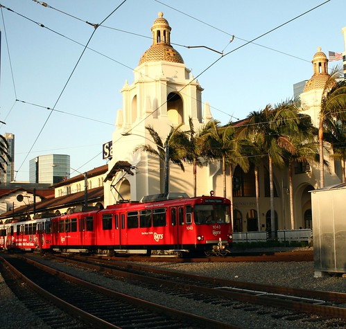 San Diego  Red Trolley ( train )
