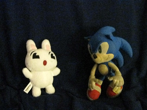 Sonic Meets the GameStop Bunny