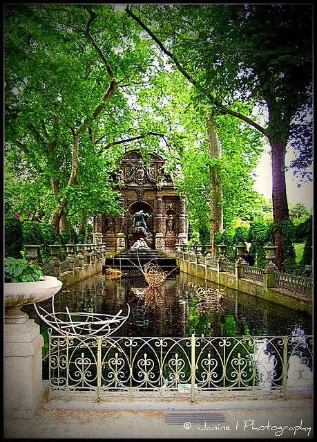 la fontaine marie de m dicis dans le jardin du luxembourg a photo on flickriver. Black Bedroom Furniture Sets. Home Design Ideas