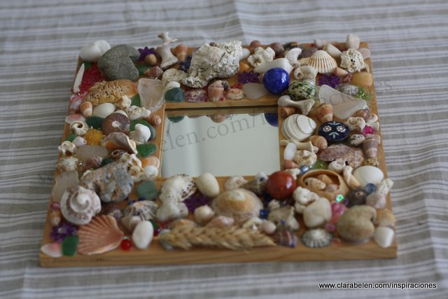 Inspiraciones manualidades y reciclaje marco de espejo - Cuadros hechos con piedras de playa ...
