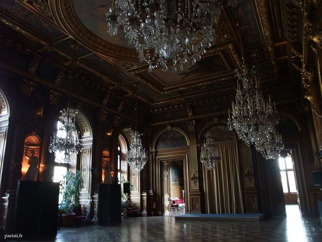H tel de ville de paris et les salons de la mairie le for Mairie menetou salon