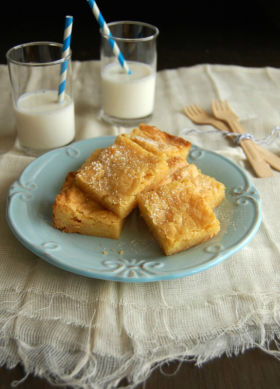 White chocolate and lemon blondies / Blondies de chocolate branco e limão siciliano