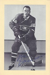 """1944-63 NHL Beehive Hockey Photo / Group II - GORDON """"RED"""" BERENSON (Left Wing) - Autographed Hockey Card (Montreal Canadiens) (#223A / White Script)"""