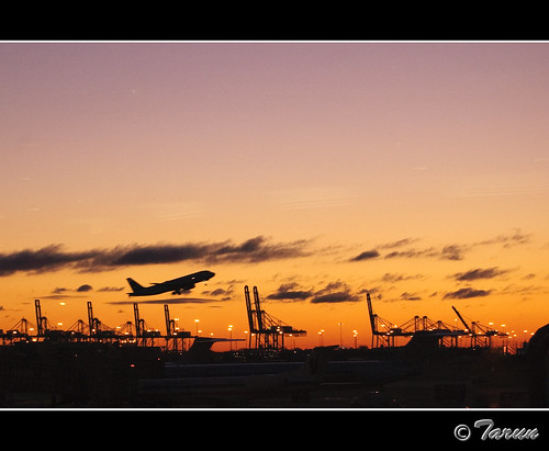 trip travel newyork silhouette sunrise airplane newjersey nj newark ewr goodmorning takeoff inair terminala libertyinternationalairport tarunparmar