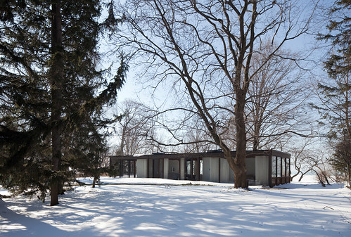 Modernist House on a Bluff Above Lake Michigan