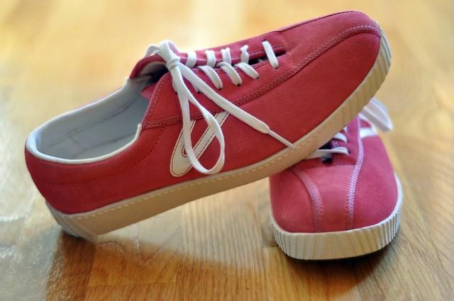 Tennis Shoe Pink Or Grey