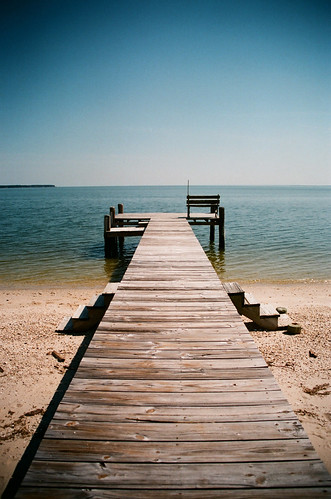 ocean film beach bay dock chesapeakebay fujisuperia400 pineypoint pentaxzx7