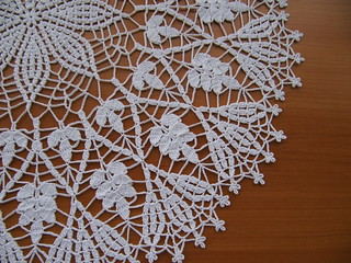 Cluster Stitch Doily by American Thread Company