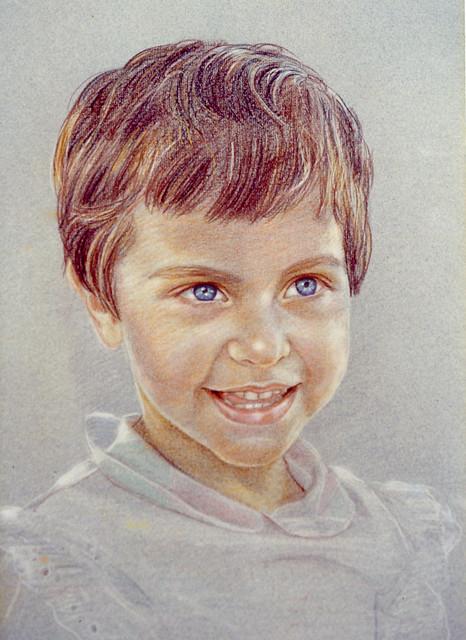 ritratto bimba sorridente- disegno a matita