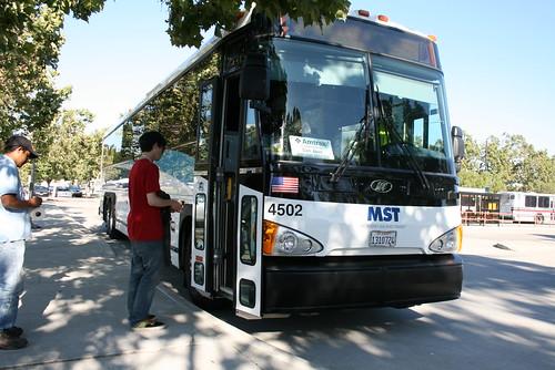 MST San Jose bus by Richard Masoner / Cyclelicious