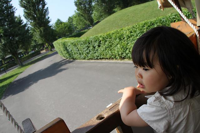 Photo:SAKURAKO get up on a horse cart. By MIKI Yoshihito. (#mikiyoshihito)