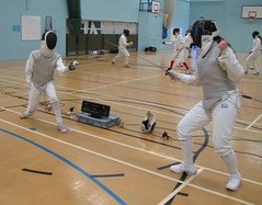 weapon combat sports(1.0), fencing weapon(1.0), individual sports(1.0), contact sport(1.0), sports(1.0), combat sport(1.0), ã‰pã©e(1.0), fencing(1.0), foil(1.0),
