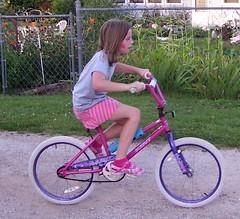 road bicycle, bicycle motocross, wheel, vehicle, bmx bike, freestyle bmx, sports equipment, leisure, cycle sport, land vehicle, bicycle frame, bicycle,