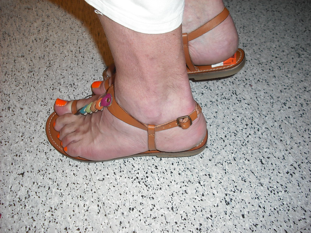 Toe loop thong sandals with orange nail polish - a photo on Flickriver