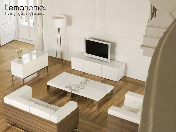 Glare Living room