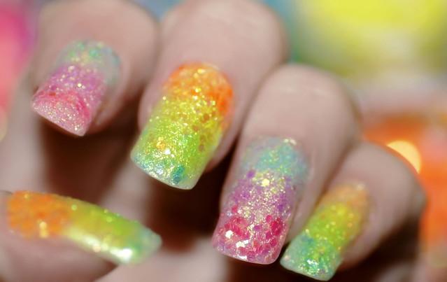 Ногти радуга с блестками