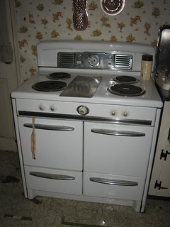 Oven from tag sale