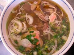 bãºn bã² huế, noodle soup, produce, pho, food, canh chua, dish, broth, soup, cuisine, gumbo,
