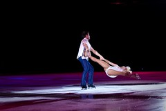 sports(0.0), skating(1.0), ice dancing(1.0), winter sport(1.0), performing arts(1.0), musical theatre(1.0), ice skating(1.0), entertainment(1.0), figure skating(1.0), performance art(1.0),