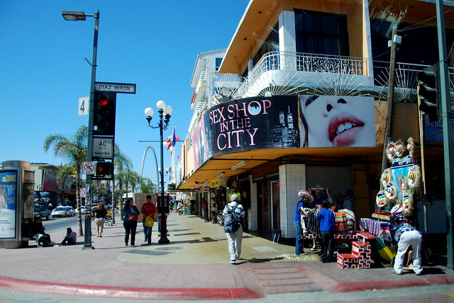 SEX SHOP IN THE CITY. Avenida Revolución, Tijuana