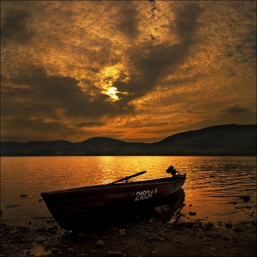 sunset sky cloud mountains water silhouette reflections boats lakedistrict canoes cumbria ullswater