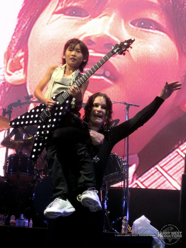 Ozzfest 2010: Ozzy Osbourne with Yuto Miyazawa - Upclose
