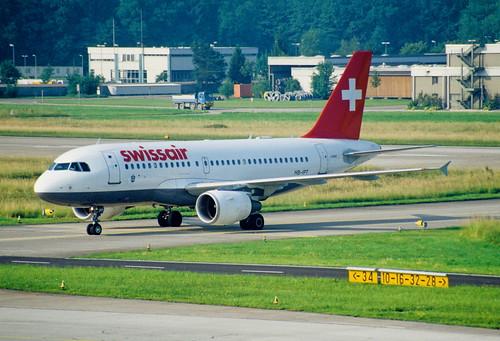 60ak - Swissair Airbus A319-112; HB-IPT@ZRH;17.06.1999