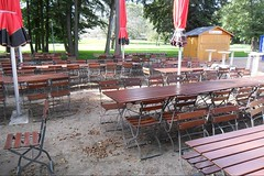 Biergarten im Herbst