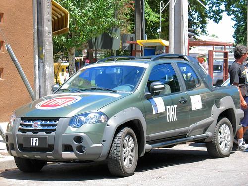 Fiat Strada 1.6 Adventure Crew Cab 2011