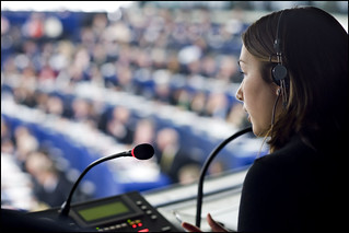 An interpreter at work during the EU - South Korea free trade agreement