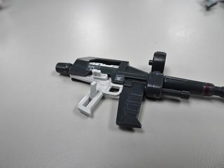 槍、卡榫是活動式的