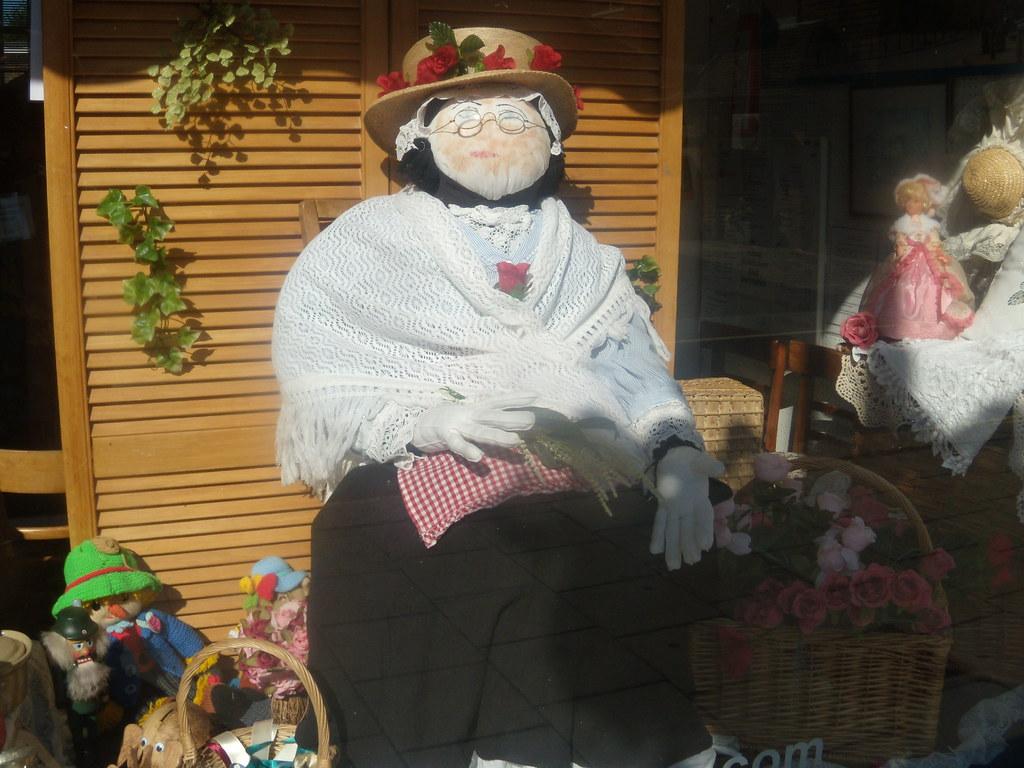 Scaregranny Battle Circular Scarecrow festival