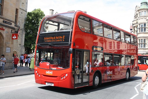 220 JF10OXF OXFORD BUS 060710