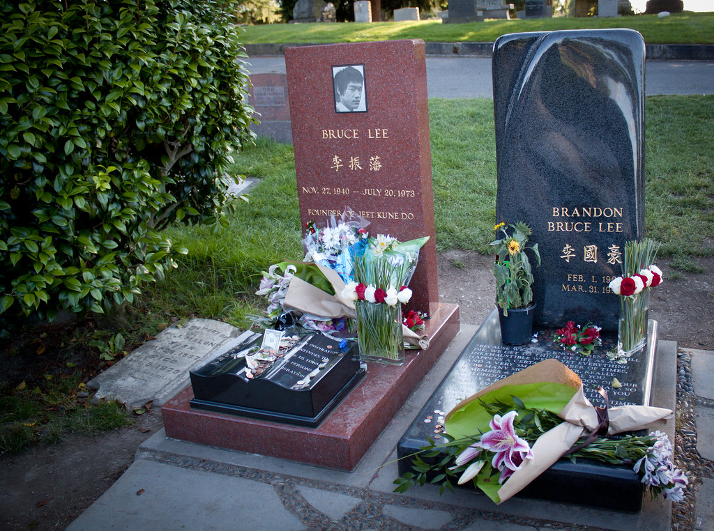 Bruce Lee and Brandon Lee's grave in Seattle