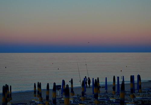 blue sunset sea summer italy beach sunrise italia mare hour summertime ombrelloni conero spiaggia italie marche adriatic adriatico sdraio lettini estatew