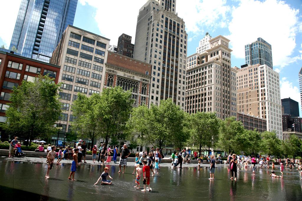 Chicago (ILL) Millennium Park, Crown Fountain, Jaume Plensa. 2004