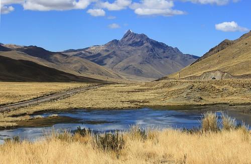 peru landscape paisaje perú altiplano abralaraya laraya larayapass absolutelystunningscapes