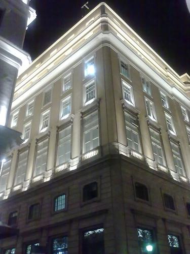 Fachada do CCBB à noite