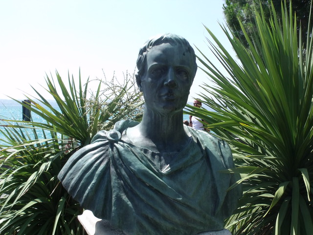 bust of Catullus in Sirmione. (via fickr user Elliot Brown, CC-BY-2.0)